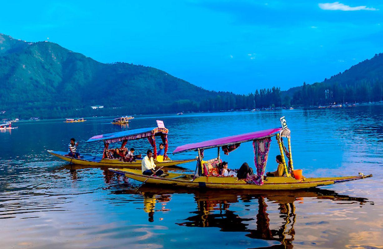 lake-dal-shikava-boat.jpg